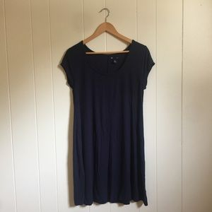 🙂 5/$20 GAP luxe casual navy ribbed dress large